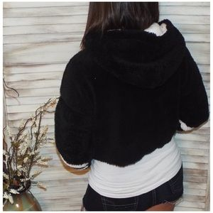 Tops - Plush Sherpa Fleece Cropped Hoodie Black 2219